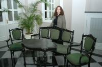 В дар музею гарнитур мебели